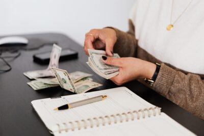 Jak wziąć pożyczkę przez telefon